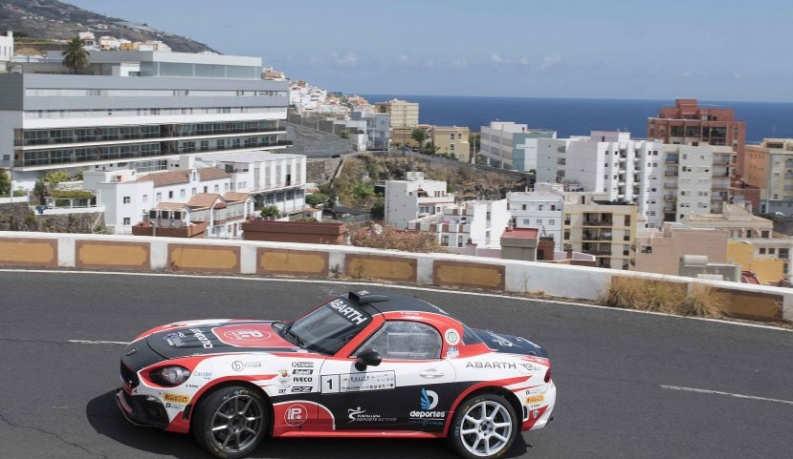 Victoria, de principio a fin, para el Abarth 124 Rally de Carlos David García-Jordi Díaz